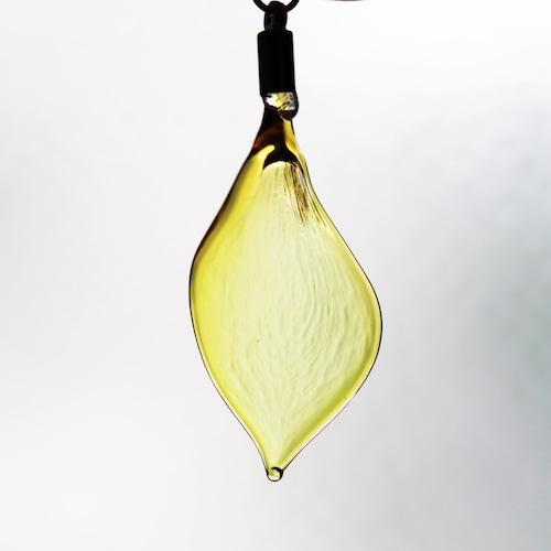 玻璃の花びら<黄色水仙>