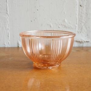 ピンクのガラスのミニボウル
