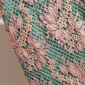 フラワー刺繍グリーンミモレスカート