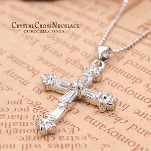 【神秘的な輝き】高純度キュービックジルコニア12石 クリスタルクロスネックレス