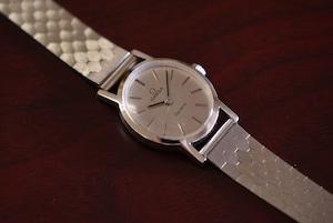 【ビンテージ時計】1970年代製造 オメガレディース腕時計 スイス製 オーバルケース