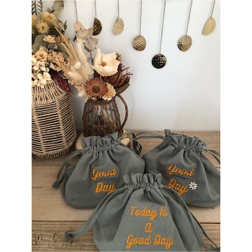good day bag カーキxオレンジ刺繍 130