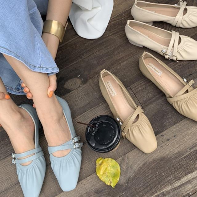 フラットパンプス オールシーズンシューズ パンプス シューズ レディース フラットサンダル靴 歩きやすい 美脚靴シューズ カップルスリッパ 滑り止