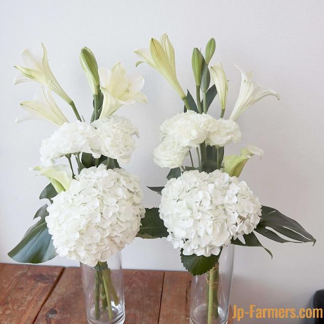 白アジサイを基調としたお供え花 ( 1 対 )