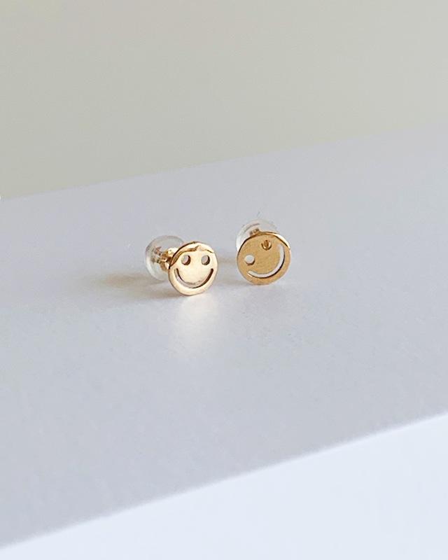 K10 Smile pierced earrings  /  Belleza by n