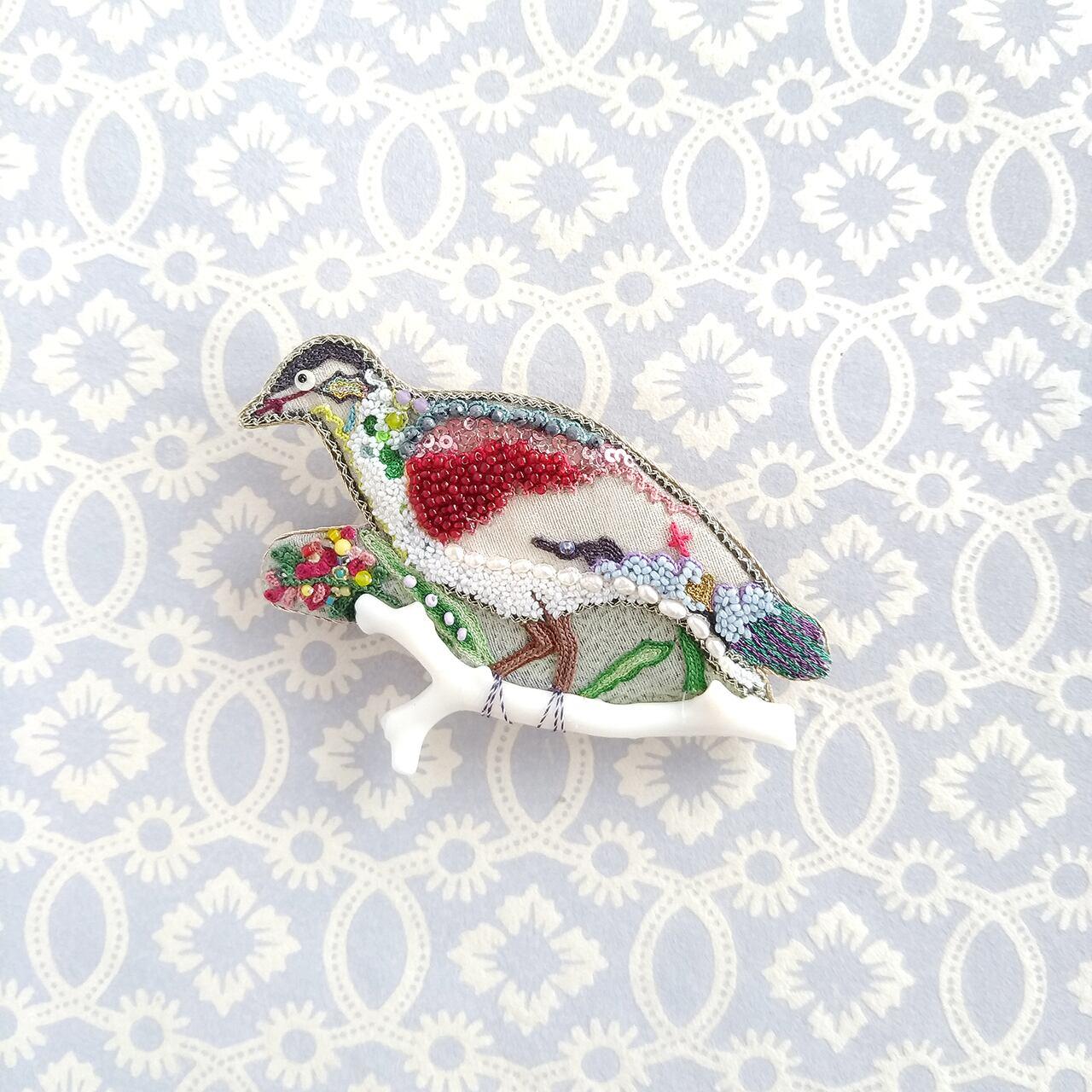 オフェリー鳥のブローチ
