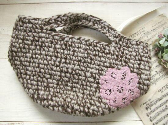 毛糸の丸底バッグ*手編み ピンクバテンレース/sakura