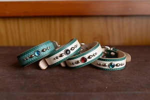 小型犬用の緑の革の首輪 K-sg8bb