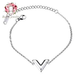 initial V bracelet / 316L stainless