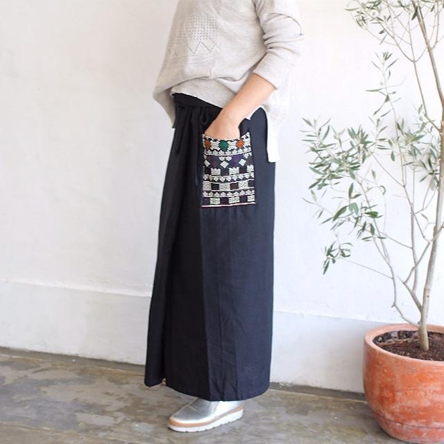 ヤオ族刺繍ポケットラップスカート