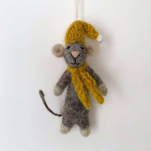 Grey Mouse with Yellow Hat & Scarf|黄色い帽子とスカーフの灰色のマウス オーナメント