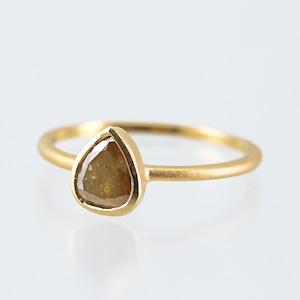 Pear Shaped diamond ring / Brown