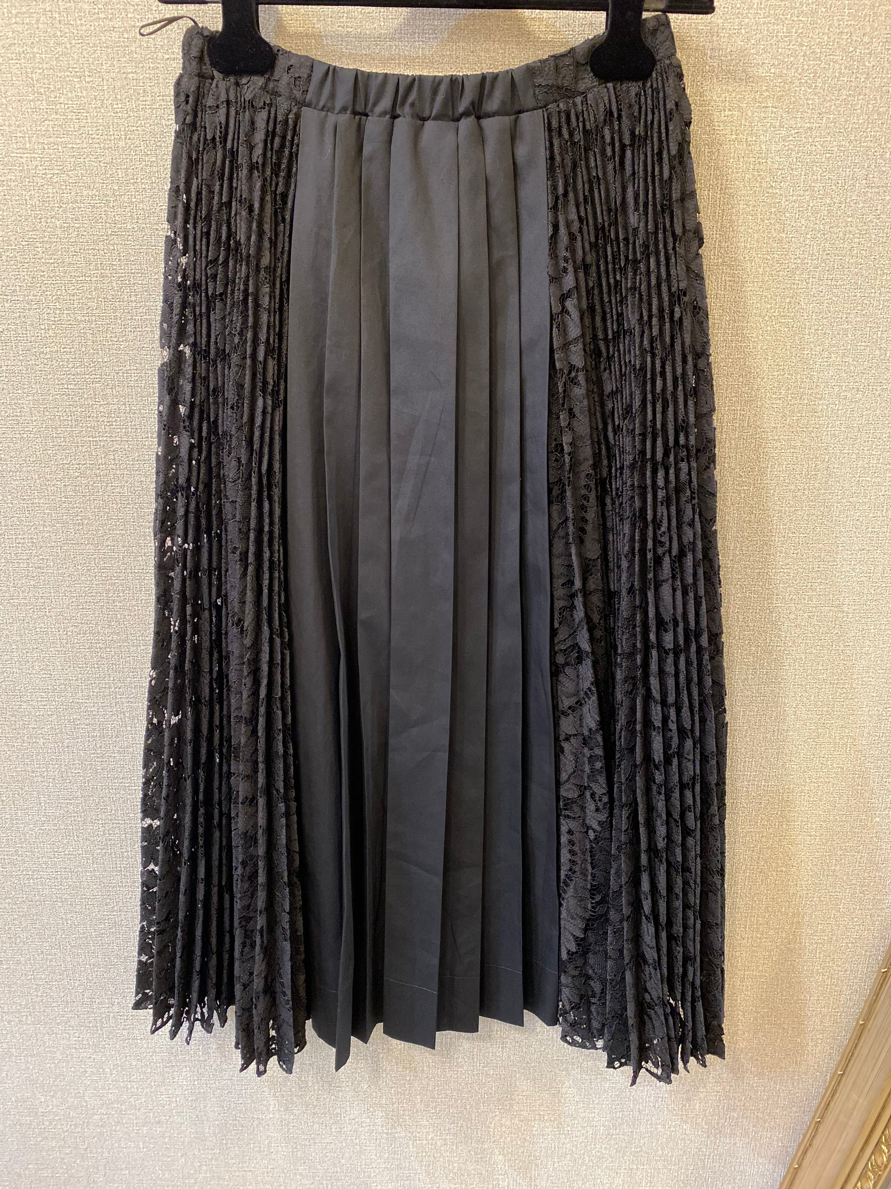 N°21 サイドレースプリーツスカート
