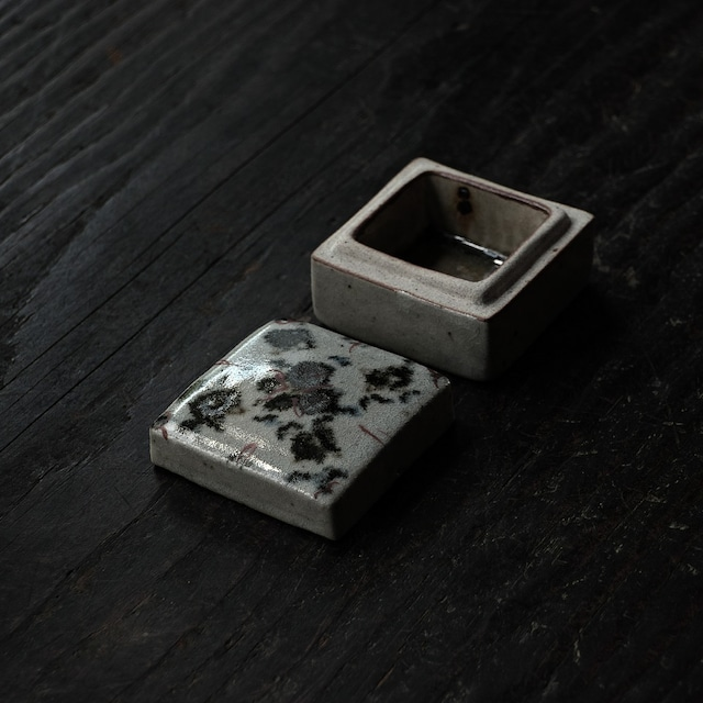 陶箱 hirasawa harumi