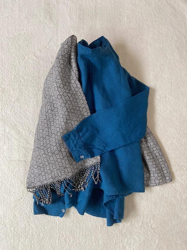 Hand-woven scarf / Black Clover 手織りシルクのショール ブラッククローバー