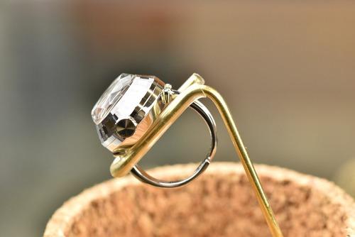 【ビンテージ時計】1975年6月製造 セイコー指輪時計 日本製 当時の定番モデル おいしそうな葡萄色(パープル)の文字盤♪