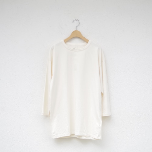 one f HB Tee NATURAL